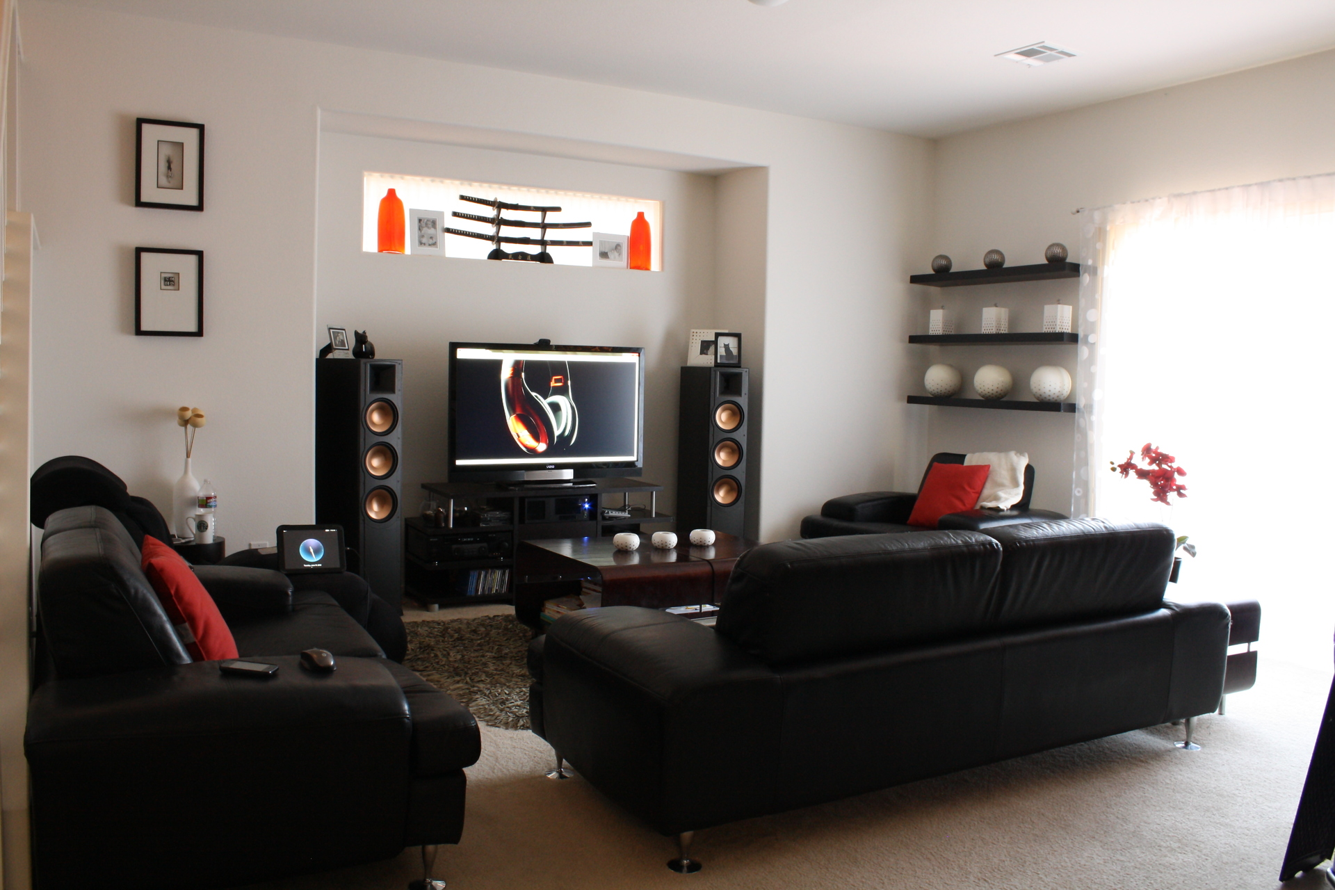 Not Everyone Has The Option To Purchase A Home Theatre System With. Mrjai S Living  Room ...